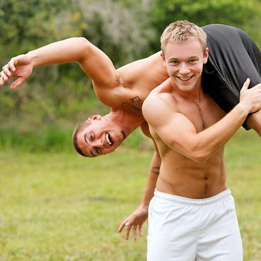 CLICK TO ENLARGE - Picturing Guys Twogether - GAYTWOGETHER.COM